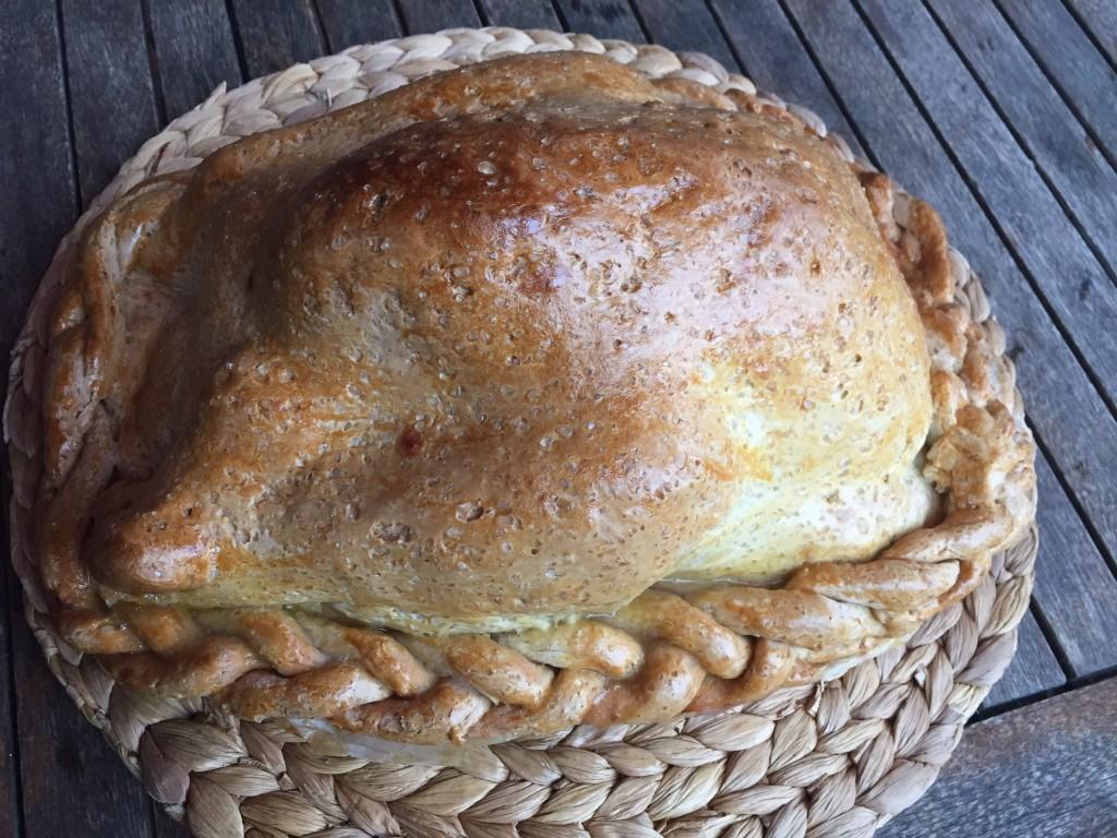 Poulet cuit en croûte de sel